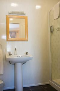Grove House Bed & Breakfast, Bed and Breakfasts  Carlingford - big - 94