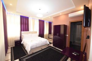 Buna Park Hotel - Široka