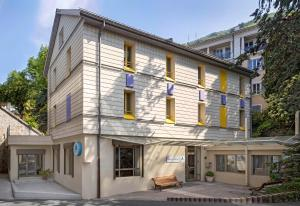 Montreux Youth Hostel