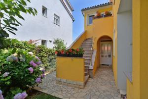 Apartments Milena 436, Apartments  Fažana - big - 52