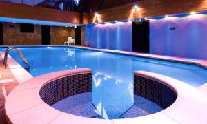Macdonald Elmers Court Hotel & Resort (2 of 30)