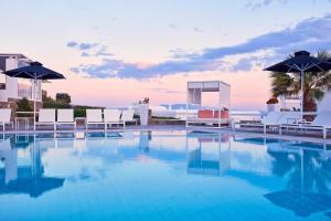 Archipelagos Hotel - Small Lux..