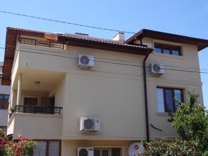 Apartment Dona, Apartments  Chernomorets - big - 13