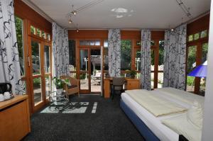 Villa Waldperlach by Blattl, Affittacamere  Monaco di Baviera - big - 46