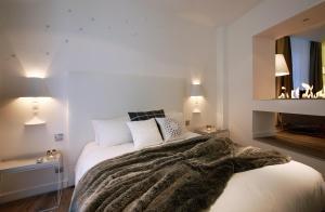 Petit Hôtel Confidentiel, Отели  Шамбери - big - 128