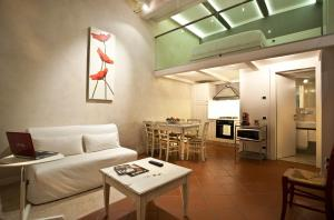 Le Cadreghe Apartments - AbcAlberghi.com