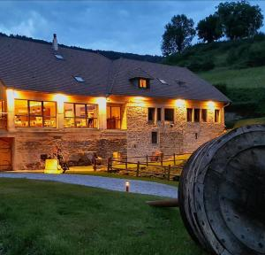 Maison d'hôtes & SPA La Scierie - Accommodation - Salins-les-Bains