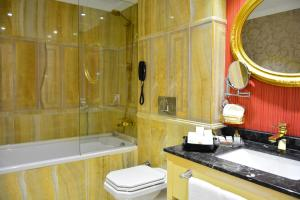 Intourist Batumi Hotel, Hotels  Batumi - big - 116