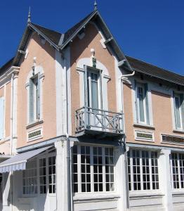 Hôtel Victoria - Croix-Chapeau