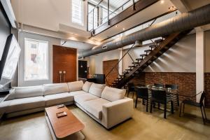 obrázek - RAI Properties · Gorgeous Center City Penthouse w/Private Roof Deck