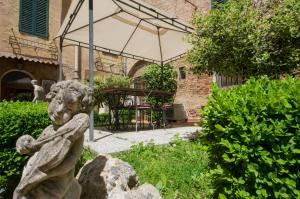 Piazza Paradiso Accommodation, Affittacamere  Siena - big - 119