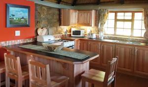 Lake Naverone Holiday Cottages, Resorts  Drakensberg Garden - big - 153