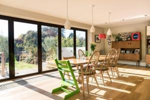 4 Bedroom House In Brighton - Clayton