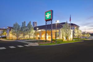 The Homewood Suites by Hilton Ithaca - Hotel