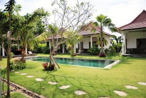 6 Bedrooms Mynah Villa Balangan