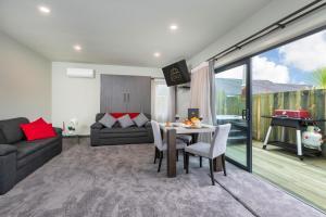 Kings On Peace - Accommodation - Rotorua