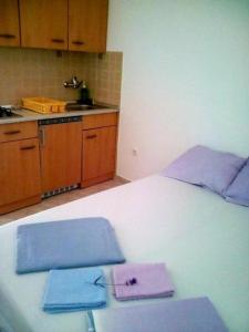 Apartment Starigrad 11683b, Apartmány  Starigrad-Paklenica - big - 4