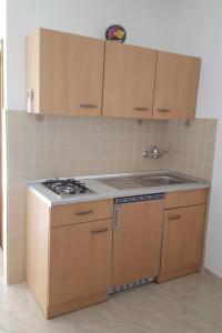 Apartment Starigrad 11683b, Apartmány  Starigrad-Paklenica - big - 8