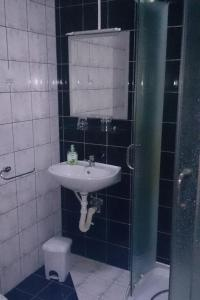Twin Room Bilje 14318c, Pensionen  Bilje - big - 3