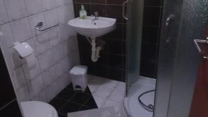 Twin Room Bilje 14318c, Pensionen  Bilje - big - 6