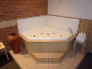 Colonial Motor Inn Bairnsdale, Motels  Bairnsdale - big - 32