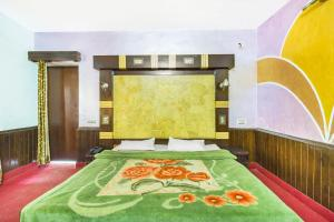 Twin Room Guesthouse with Wi-Fi in Old Manali, by GuestHouser 43090