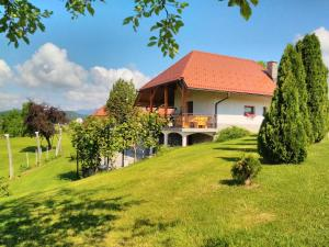 Friendly Countryside Apartment Dobrotin