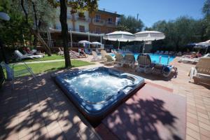 Hotel Alpi, Hotel  Malcesine - big - 10