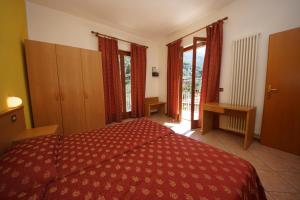 Hotel Alpi, Hotel  Malcesine - big - 17