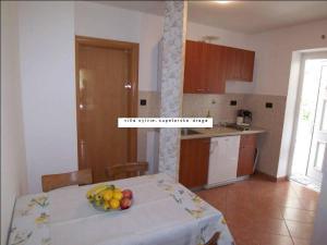 Apartment Supetarska Draga - Gornja 11579e, Ferienwohnungen  Rab - big - 2