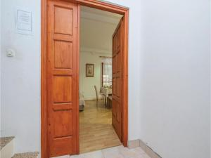 One-Bedroom Apartment in Sibenik, Apartmány  Šibenik - big - 19