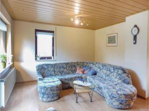 Three-Bedroom Apartment in Gerolstein - Birresborn
