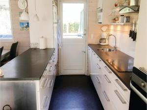 Three-Bedroom Holiday Home in Norre Nebel, Holiday homes  Nørre Nebel - big - 12