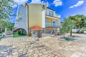 Apartments & Bungalows Ivanović, Affittacamere  Kaštela - big - 1