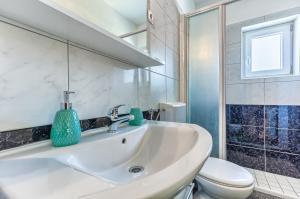 Apartments & Bungalows Ivanović, Affittacamere  Kaštela (Castelli) - big - 103