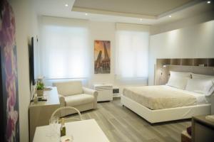 ANDREA LUXURY APARTMENTS Strada Maggiore Studio 1 - AbcAlberghi.com