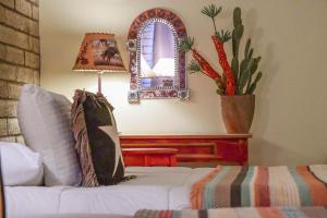 . Cave Creek Tumbleweed Hotel