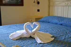Double or Twin Room with Rubber Boat