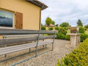 Residence Le Perrot, Nyaralók  Saint-Nexans - big - 9