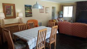 Lake Naverone Holiday Cottages, Resorts  Drakensberg Garden - big - 157
