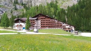 Dolomites Dream Marmolada 2 - AbcAlberghi.com