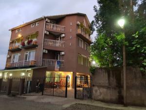 Отель Hotel Lizi, Уреки