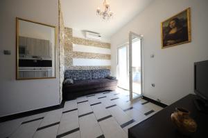 Villa Nika, Apartments  Bibinje - big - 98