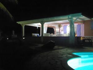 Villa Route de la Rossette, Vily  Le Moule - big - 18