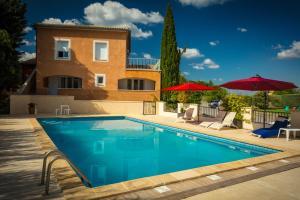 Location gîte, chambres d'hotes Hôtel Le Saint-Geniès dans le département Gard 30