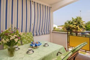 Apartment Nives, 300m from the sea