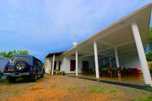 Naveen Guest House and Hotel - Diyature Egoda