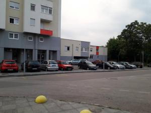 Apartman Aurora, Apartments  Tuzla - big - 2