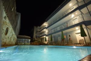 Kiwi Hotel, Hotels  Nea Fokea - big - 24