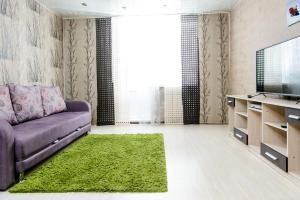 Kosmos Apartments on Malysheva - Mikun'